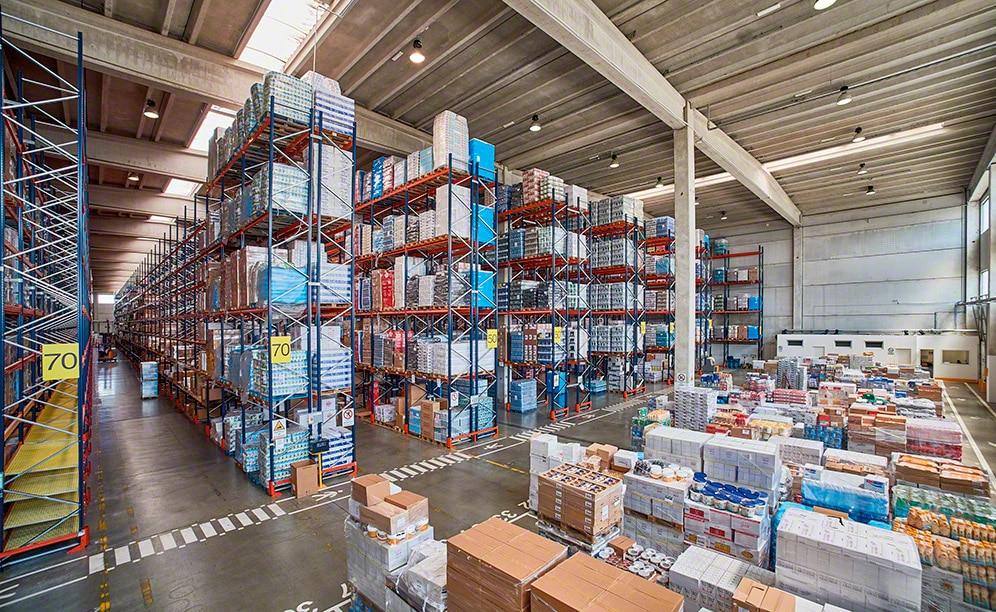Eficiente sistema de preparación de pedidos en el nuevo almacén del operador logístico Ekom