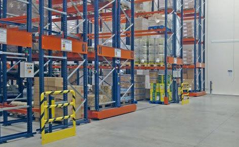 Duplicar la capacidad de almacenaje y reducir los costos con racks sobre bases móviles
