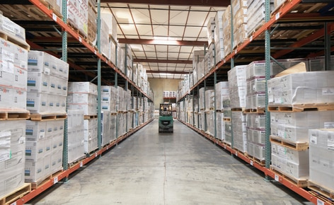 El operador logístico Desert Depot instala estanterías push-back para conseguir más capacidad en menos superficie de almacenaje